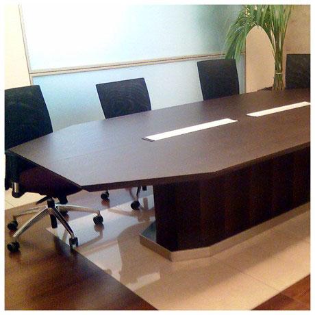 Tavolo riunioni per studio commercialista for Tavolo wenge